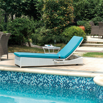 Outdoor leisure white rattan lounge